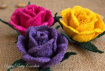 Связанные крючком розы