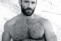 hairy sexy man (tanti ne ho incontrati prima)
