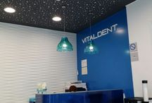Proyecto de iluminación led en la clínica dental Vitaldent (Majadahonda) / Proyecto de iluminación led desarrollado para el ahorro y eficiencia energética en la Clínica Vitaldent de Majadahonda. Se han sustituido las luminarias antiguas por una combinación de panel de led, tiras de led, downlight led, spotlight led y bombillas de led. http://www.luzledproyectos.com/proyecto-de-iluminacion-led-en-la-clinica-vitaldent-majadahonda/