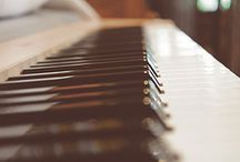 Play Piano / Learn how to play piano