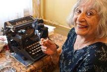scriitori contemporani