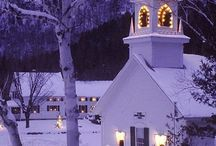 Christmas: Churches / Is there anything more beautiful than a church surrounded by snow?