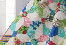 Quilting / by Lois Wolters
