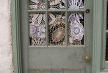 čipka na dverach