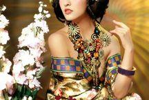 Geisha e altro kimoni acconciatura