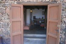 Museos etnográficos de Gran Canaria / Un Museo Etnográfico es un museo dedicado a temas de la etnografía, y en muchos casos relacionado con la arqueología y la antropología, en este caso de Gran Canaria.