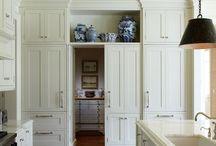 Kitchens / by Lauren Pulver