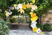 decoracion exterior flores papel