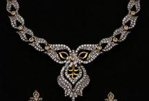 Jewels & Boxes / by Elizabeth Hébert