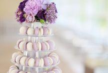Jö's feiern gerne Hochzeit / Unsere Makrönchen habens gut, die werden ständig auf Hochzeiten eingeladen. Und dann hängen sie auch noch die ganze Zeit am Buffet ab :-)