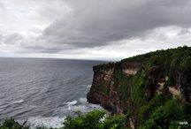 Best of Bali Beaches / Bali, one of the most popular tourist destination in Indonesia is a delight year long. Tropical temperature, white beaches, warm welcome and plethora of handicraft options make it a must do travel destination.