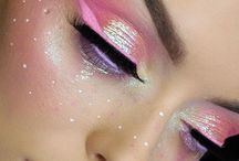 Unique Makeup Looks / High intensitiy colors that will force you out of your confort zone. Very artistic and challenging looks to recreate.
