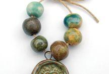 Ceramic: Beads / by Nichola Pitt