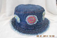 Chapéu Infantil / Chapéu infantil de tecido jeans com bordados. Acabamento nota DEZ !