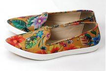 Pantofi / Descopera pe #TopFashion #pantofii de #dama potriviti pentru tinutele tale: comozi si moderni.http://topfashion.com.ro/incaltaminte/pantofi.html