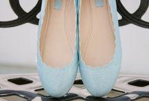 """Μπλε Προσκλητήρια Γάμου / """"Κάτι δανεικό, κάτι νέο, κάτι παλιό, κάτι μπλε..."""" Τα καλά του γάμου ξεκινάνε με μία ευχή απόχρωσης μπλε. Δείτε όλες τις μπλε λεπτομέρειες που μπορούν να πλαισιώσουν το δικό σας γάμο! www.lovetale.gr"""