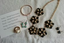 {Accessory Subscription Boxes} / Jewelry, Hats, bags, etc
