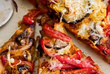 Pizzas and sandwiches / All about the melted cheese!