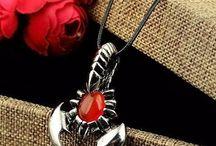 Bijoux Scorpions / Ici est placé les bijoux du signe astrologique du scorpion de la boutique. https://scorpions-shop.com