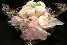 Edible Elegance Norfolk / Cakes, Cupcakes and bouquets