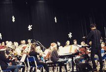 Instagram In questo momento sono al concerto di natale dove il nipotino DuFer è tra i violinisti :D