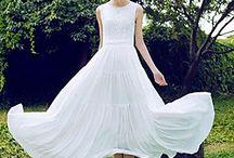 Laid back summer dresses / Summer dresses that evoke laid-back days and evenings