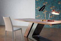 Mesas hiero futuristas