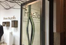 GALERÍA FREZZIA / Galería FREZZIA es un espacio donde todos los sentidos están en armonía, el tacto,la vista y también el gusto. Realizamos una exposición en donde una de mis obras VAIP se traslado a un sentido más como fue el sentido del gusto,gracias a NIAM-NIAM pudimos saborear mi obra.