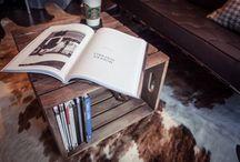 [ Caisse ] ✪ Table basse & Table d'appoint . Coffee table / Des caisses en bois qui s'assemblent pour composer une table basse avec range revues intégré, à la fois simple et astucieux, originel et original :-)