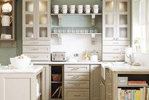 Kitchens / by Kara Kloke