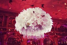 The Great Gatsby Movie Premiere at the Plaza Hotel in Vogue Magazine / Last week The Great Gatsby movie premiere at the Plaza Hotel was a huge success and the glamorous party was all over the news media. Tantawan Bloom's 1920s floral design in collaboration with Samantha Sackler Productions became a total hit. The oversized chandelier made of feathers, orchids and crystals was published in all the social media outlets. These are some pictures from that night from Vogue Magazine.  All Photo taken by Dave Allocca/Startraksphoto.com