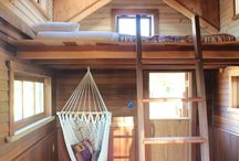 Tree House Ideas & How To Build A Treehouse / How To Build A Treehouse ? This Tree House Design Ideas For Adult and Kids, Simple and easy. can also be used as a place (to live in), Amazing Tiny treehouse kids, Architecture Modern Luxury treehouse interior cozy Backyard Small treehouse masters