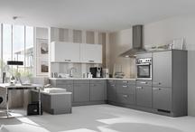 Küchen in Anthrazit / Dunkles Grau gibt in Sachen Küchen-Trendfarben den Ton an! Anthrazit lässt Küchen dezent und edel wirken, so entsteht Küchen-Design mit Charakter.