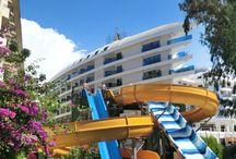 Delphin Botanik Platinum Hotel / Rengârenk bahçeleri ve deneyimli ekibiyle muhteşem bir tatil geçireceğiniz Delphin Botanik'te; keyifli bir ortam sizleri bekliyor. :)