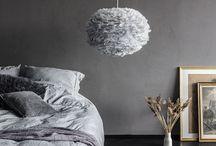 Eos - lampy z naturalnych piór / Niezwykle efektowne lampy wykonane z naturalnych piór gęsich. Pięknie prezentują się we wnętrzach w stylu nowoczesnym oraz skandynawskim.  Obok lampy z serii Eos, trudno przejść obojętnie.