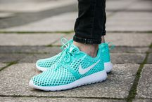 "Nike Roshe One Flight Weight (GS) ""Hyper Turquoise"" (705486-301)"