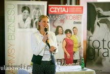 Charmsy Biznesu 2014 / Charmsy Biznesu to bezpłatne spotkanie dla kobiet w Bydgoszczy. Co roku, w październiku zapraszamy ponad 100 kobiet do Hotelu Pod Orłem. W tym roku gościem specjalnym był Profesor Jerzy Bralczyk.