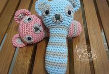 Crochet Bebés / by Ana Guerreiro