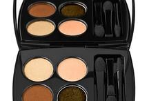 makeup/nails / by Stefanie Kytta