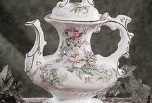 tea pots n dishes / by Louise Smith