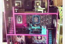 Monster high doll house ideas / by Jessica Benham