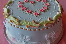 stringwork for cake decorating / by maxine mcleod