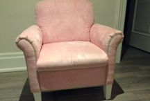 really nice pink/green chair from Bombay kids / (100$)i have a really nice kids pink chair in good condition,it was bought at bombay kids store,the color is pink with green stripes,the mesurements are 30 1/2 inches wide x 19/34 inches high x 26 inches depth,i am in Kleinburg area,ask us what else we have for sale...we have a lot,thank you