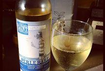 Domaine Le Grand Saint-Charles / Le Domaine Le Grand Saint-Charles est un vignoble et une cidrerie situé à Saint-Paul d'Abbotsford. Le vignoble est situé sur un site enchanteur sur le flanc est du Mont Yamaska. Les nouveaux propriétaires de ce vignoble-cidrerie vous ouvrent grande leurs portes pour vous faire déguster 4 vins et 3 cidres méconnus dans la région. Bonne découverte!