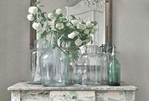 Conviviality in the House / Beautiful romantic things for the home