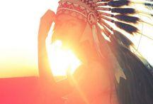 feather headdress / by Lizmarie Garcia