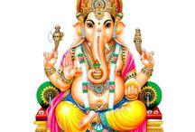 GANESHA - GANESH / Fils de Shiva et de Parvati, la fille de l'Himalaya, frère de Muruga ou Skanda, Ganesh est un Dieu très populaire en Inde, aussi a -t-il une abondante mythologie, qui touche surtout à sa naissance et à sa tête d'éléphant.