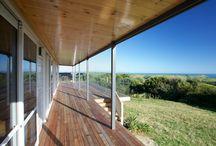 Lockwood Te Rakau holiday home in Raglan / Lockwood holiday home by Lockwood Waikato http://www.lockwood.co.nz/ModernHomeBuildingPlans/tabid/103/agentType/View/PropertyID/15/Default.aspx