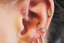 Earings and jewellery