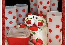 Vermelhinho e branquinho ou branquinho e vermelhinho??? / Tudo branco com poá vermelho ou vermelho com poá branco.